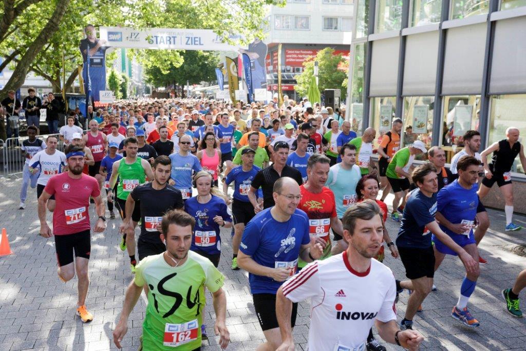 Start vom Hauptlauf über 10 km. Fotograf: Tilo Keller